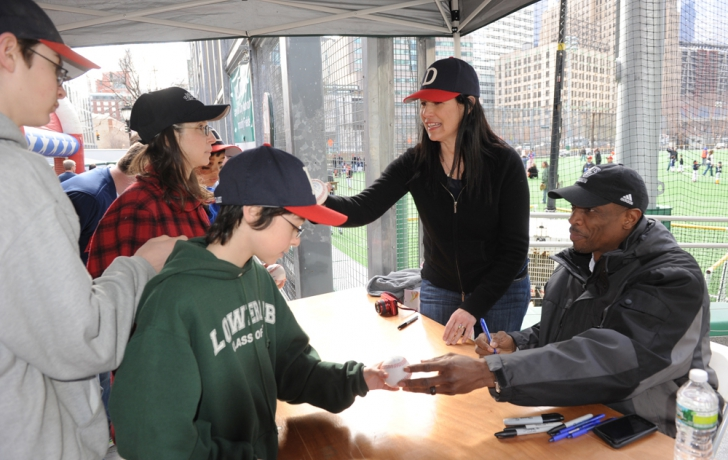 Gooden signs autographs during the post-ceremony carnival on Warren Street. Carl Glassman/Tribeca Trib
